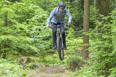 Mountainbike Downhill und Jumping